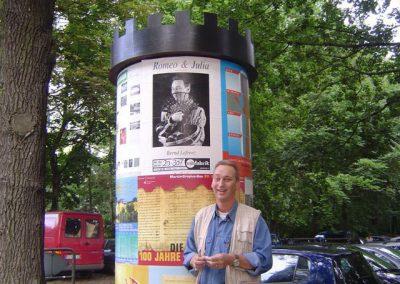 Berlin, Litfasssäule im Englischen Garten