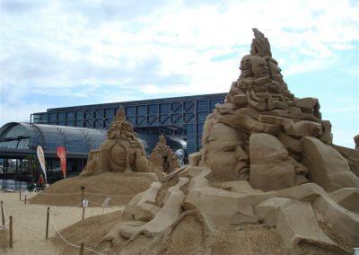 Berlin-am-Hauptbahnhof, Sandskulpturen